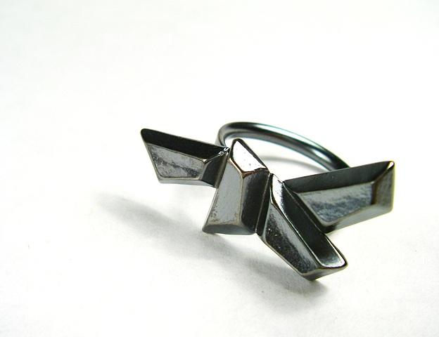 s a r a h   l o e r t s c h e r - crystal pattern ring